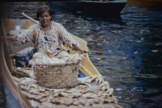 Nora Aunor (Shahela) in floating market in Tawi-tawi. THY WOMB shows the tourism potential of the place.