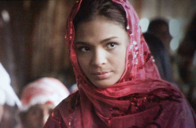Lovi Poe (Mersila) captivates Bembol Roco (Bangas An) the first time he sees her in Brillante Medoza's award winning film THY WOMB.