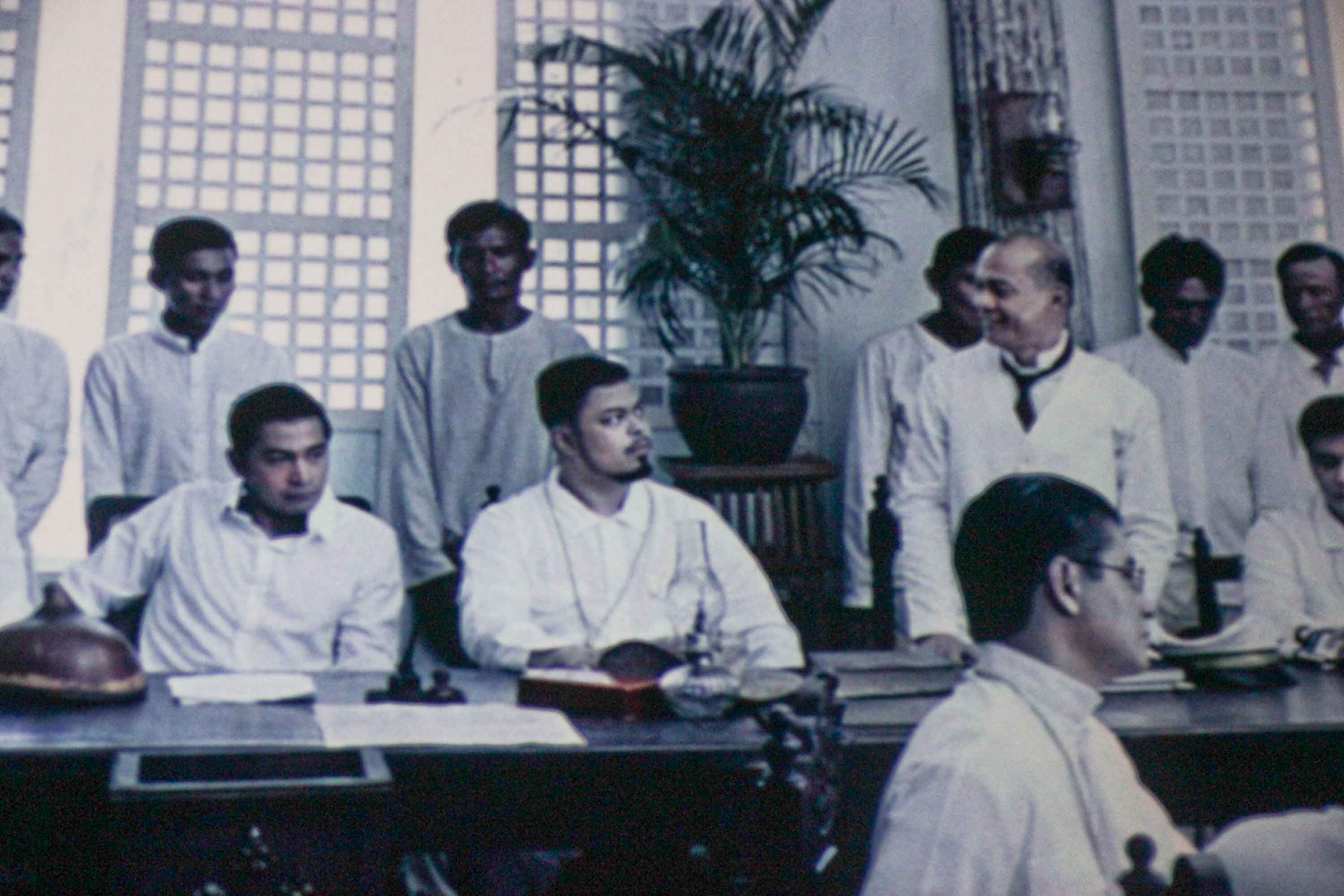 film review about el presedente It's surprising how el presidente touts itself to be a historical biopic about our  first president, emilio aguinaldo surprising because sadly, it.
