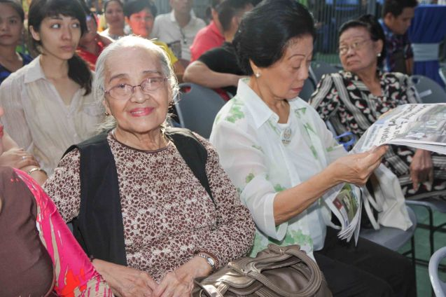 Rustica Carpio during fan's day in SM North EDSA. Photo by Jude Bautista