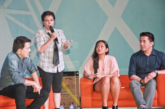 From left: MMFF Best Director Brillante Mendoza, Best Actress Nora Aunor, Mercedes Cabral and Executive Producer Melvin M. Mangada. Photo was taken during fan's day in SM North EDSA. Photo by Jude Bautista