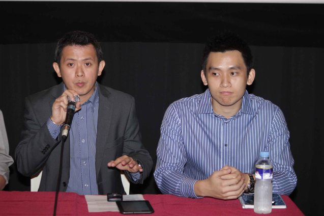 From left: ADMU Ricardo Leong Center Dir. Sidney Christopher Bata and ADMU Celadon Proj. Head George Pang. Photo was taken during the press preview of PIANO IN A FACTORY. Catch it and many more Chinese films for free at the 7th Spring Film fest, which will be held from February 1-10, 2013 at the Shang Cineplex, Shang Plaza Mall.