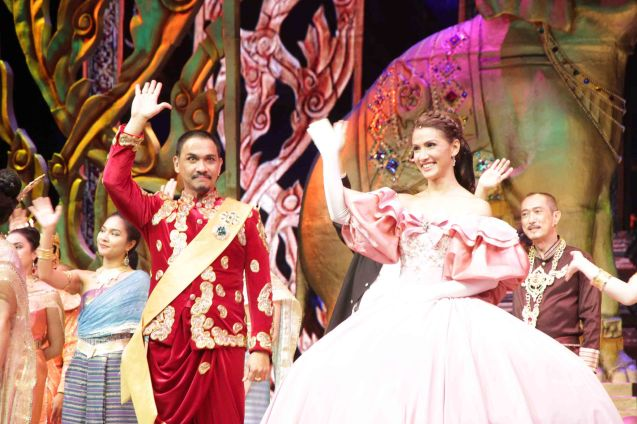 The triumphant  Nonie Buencamino (King Mongkut) and Menchu Lauchengco-Yulo (Anna) take their bow. KING AND I is extended at the New Port Performing Arts Theater in Resort's World Manila until May 2013. Photo by Jude Bautista