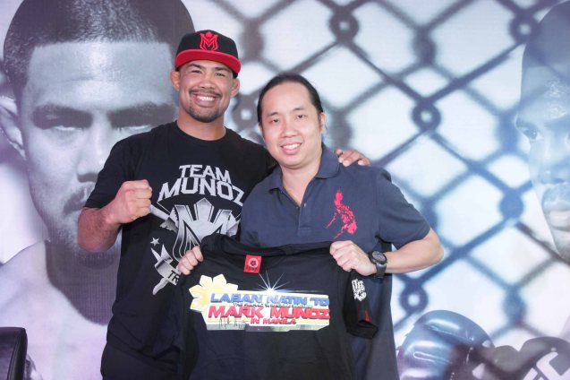 Mark 'The Filipino Wrecking Machine' Muñoz with writer and photographer Jude Bautista. Photo by Kathy Solis.