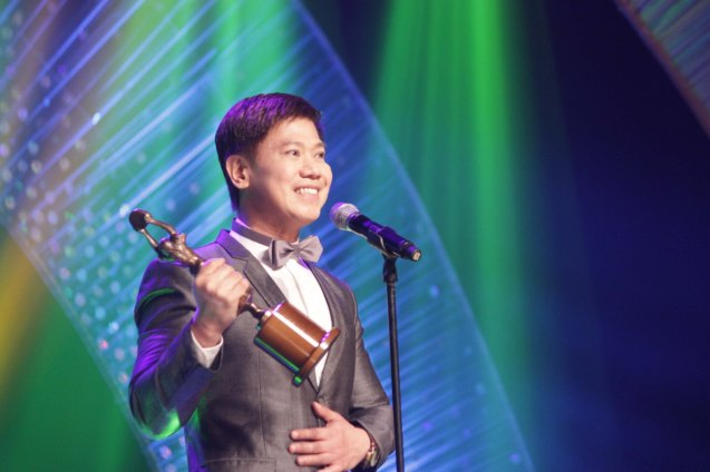 Butch Francisco receives the Dr. Jose Perez Memorial Award, during the 61st FAMAS April 21, 2013, AFP Theater. Photo by Jude Bautista