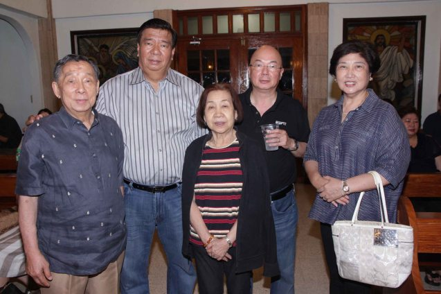 from left: Joe Bautista, Sen Franklin Drilon, Rosy Cua, Timothy Bautista and Mila Drilon during the wake at Sanctuario De San Jose Greenhills. Photo by Jude Bautista