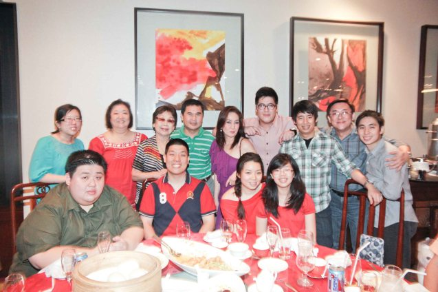 LBY with Leonie, Jackie Cua and family at Summer Palace in EDSA Shangri La Hotel. Photo by Jude Bautista