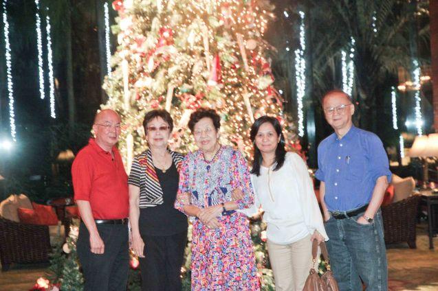 from left: Timothy Bautista, Lilia B Yang , Teresa,  Joy and at Summer Palace in EDSA Shangri La Hotel. Photo by Jude Bautista