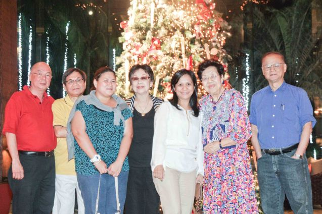 from left: Timothy Bautista, Benjie Araneta, Baby Araneta, Lilia B Yang, Joy Bautista, Teresa Koa, and Juan Bautista at EDSA Shangri La Hotel. Photo by Jude Bautista