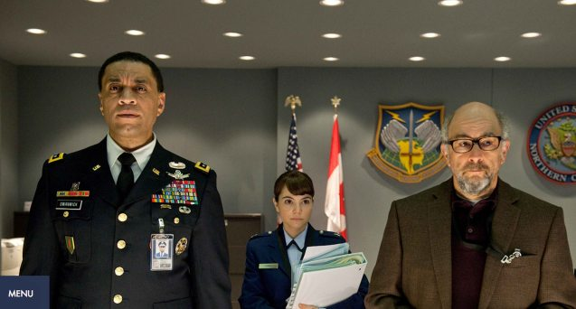 from left: General Swanwick (Harry Lennix), Major Carrie Farris (Christina Wren) and Dr. Emil Hamilton (Richard Schiff). Catch MAN OF STEEL in Newport Cinemas-Resort's World Manila, EASTWOOD City Mall, Lucky China Town Mall and Shang Rila Plaza mall.