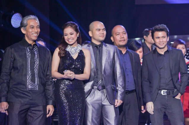 from left: Joey Ayala (PAPEL), Denise Barbaceña, DJ Silver filter, Paul Armesin (SEGUNDO) and Yael Yuzon. Catch the PHILPOP 2013 finalists on their mall tour in EASTWOOD Central Plaza (Aug 9), LUCKY CHINATOWN Atrium (Aug 17) and VENICE PIAZZA at McKinley Hill (Aug 18). Photo by Jude Bautista