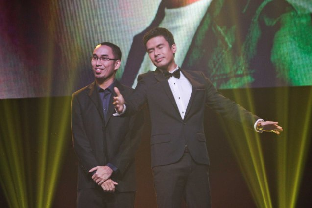 (right) Christian Bautista is The Prince in RW Manila's CINDERELLA. Christian interpreted ARAW ULAP LANGIT composed by (left) Marlon Barnuevo. Catch the PHILPOP 2013 finalists on their mall tour in EASTWOOD Central Plaza (Aug 9), LUCKY CHINATOWN Atrium (Aug 17) and VENICE PIAZZA at McKinley Hill (Aug 18). Photo by Jude Bautista