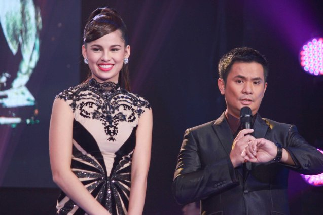 Hosts Jasmine Curtis Smith recently won Cinemalaya Best Supporting Actress for TRANSIT and Ogie Alcasid will have a 25th Anniversary concert this August 16. Catch the PHILPOP 2013 finalists on their mall tour in EASTWOOD Central Plaza (Aug 9), LUCKY CHINATOWN Atrium (Aug 17) and VENICE PIAZZA at McKinley Hill (Aug 18). Photo by Jude Bautista