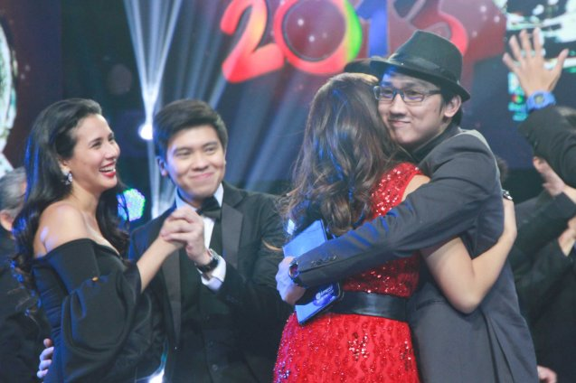 from right: Raffy Calicdan SPACE hugs Lara Maigue SAYO NA LANG AKO while Kimpoy Feliciano dances with Karylle. Catch the PHILPOP 2013 finalists on their mall tour in EASTWOOD Central Plaza (Aug 9), LUCKY CHINATOWN Atrium (Aug 17) and VENICE PIAZZA at McKinley Hill (Aug 18). Photo by Jude Bautista