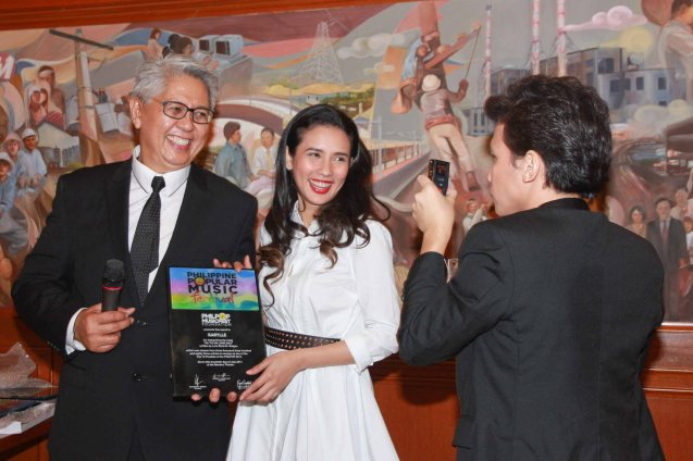 from right Yael Yuzon shoots a video of girlfriend Karylle for her twitter account with Phil Pop Exec. Dir Ryan Cayabyab. Catch the PHILPOP 2013 finalists on their mall tour in EASTWOOD Central Plaza (Aug 9), LUCKY CHINATOWN Atrium (Aug 17) and VENICE PIAZZA at McKinley Hill (Aug 18). Photo by Jude Bautista