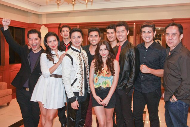 from left: Carlo Orosa, Karylle, Tippy Dos Santos, Sam Concepcion pose with hot boy band 5AZ1 and REPERTOY Phils Audie Gemora. Catch the PHILPOP 2013 finalists on their mall tour in EASTWOOD Central Plaza (Aug 9), LUCKY CHINATOWN Atrium (Aug 17) and VENICE PIAZZA at McKinley Hill (Aug 18). Photo by Jude Bautista