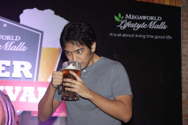 Rocky Collado of the BLOOMFIELDS joined a beer-drinking contest sponsored by RUE BOURBON. The flavor of the beer is caramel the top seller for the bar located in Eastwood City. Photo by Jude Bautista