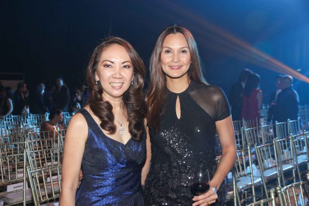 from left: Lifestyle Asia EIC Anna Sobrepeña and Tweetie De Leon-Gonzalez at the Jewelmer Gala, NBC tent last October 15, 2013. Photo by Jude Bautista