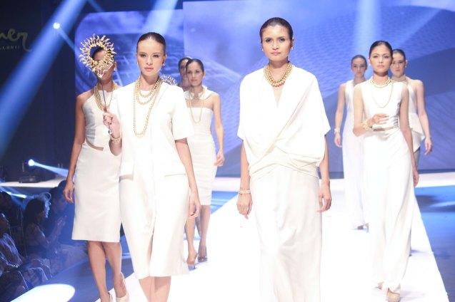 from the C'EST LA VIE collection by Jewelmer, clothes designed by Ivarluski Aseron. Photo was taken during the Jewelmer Gala at the NBC tent last October 15, 2013. Photo by Jude Bautista