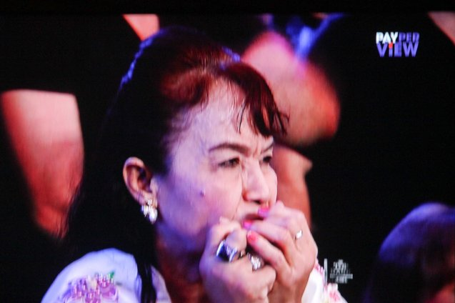 Mommy Dionisia was a nervous wreck watching her son (Manny) fight. This time she did not faint as she did in the Marquez fight.