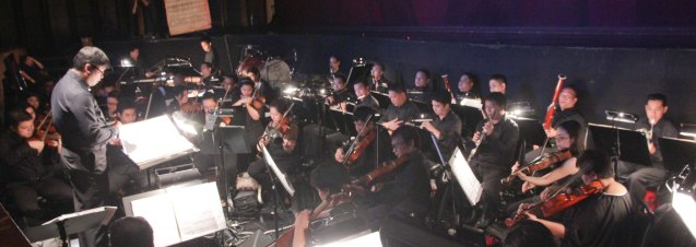 Musical Director Gerard Salonga conducts the ABS CBN Philharmonic Orchestra. THE LEGENDS AND THE CLASSICS ENCORE was held at the CCP last Oct 12, 2013. Photo by Jude Bautista