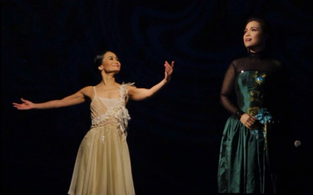 from left: Lisa Macuja and Lea Salonga perform Sharon Cuneta's hit SANA'Y WALA NANG WAKAS. THE LEGENDS AND THE CLASSICS ENCORE was held at the CCP last Oct 12, 2013. Catch Lisa's other performances: La Bayadere—Nov. 17, 730pm, The Nutcracker gala is on Nov. 29, 730 pm, Dec. 1 and 7, 3pm And Heart 2 Heart: Ballet & Ballads, Feb 21, 2014 730pm all at the Aliw Theater. Photo by Jude Bautista