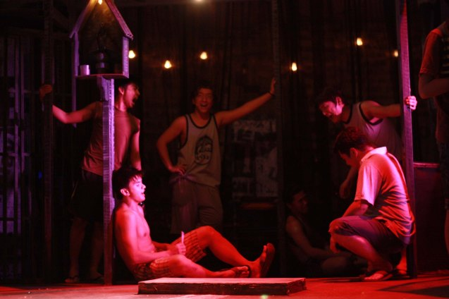 Tambays chill. Catch MAXIE THE MUSICAL at from Nov 9-Dec 8, 2013 at the PETA Theater Center. Photo By Jude Bautista