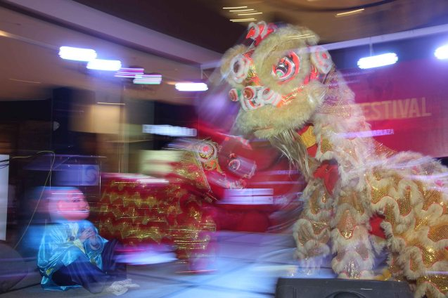 Lion dance during the opening of the Spring Film Festival. Catch many Chinese films for free at Shang Cineplex, Shang Rila Plaza mall via the SPRING FILM FESTIVAL from January 24 to February 2, 2014.