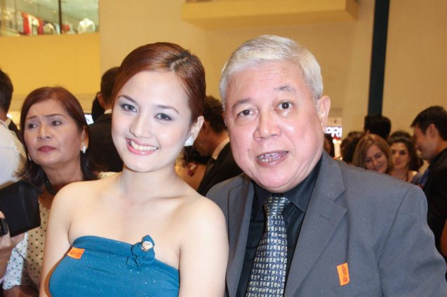 from right GMA network's Special Assistant to the President Rod Cornejo with his niece Deniece Cornejo at Shang Cineplex, Shang Plaza during the opening of the French Film Fest last June 3, 2010.  Photo by Jude Bautista