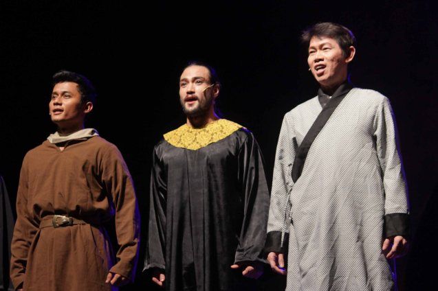 from left: Remus Villanueva (Achilleo and Khan understudy), Vitcor Sy (Learned Man) and Edgar Allan Yu (Learned Man). Catch MARCO POLO AN UNTOLD LOVE STORY at the Meralco Theater February 8, 2014 at 8pm, February 9 at 3pm. Photo by Jude Bautista.