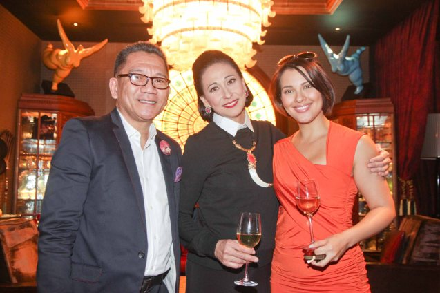 from left: Theater PR Guru Toots Tolentino, Cherie Gil and G Tongi are photographed in Salon De Ning, The Peninsula Manila. Cherie plays style doyenne Diana Vreeland in FULL GALLOP by MY OWN MANN Prod. running from March 14-23, 2014 at the Carlos P Romulo Auditorium, RCBC Plaza. Photo by Jude Bautista