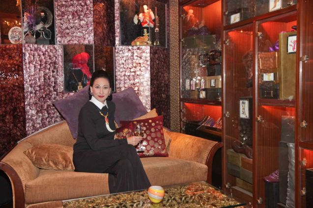 Cherie Gil is photographed in Salon De Ning, The Peninsula Manila as style doyenne Diana Vreeland. FULL GALLOP by MY OWN MANN Prod will run from March 14-23, 2014 at the Carlos P Romulo Auditorium, RCBC Plaza. Photo by Jude Bautista