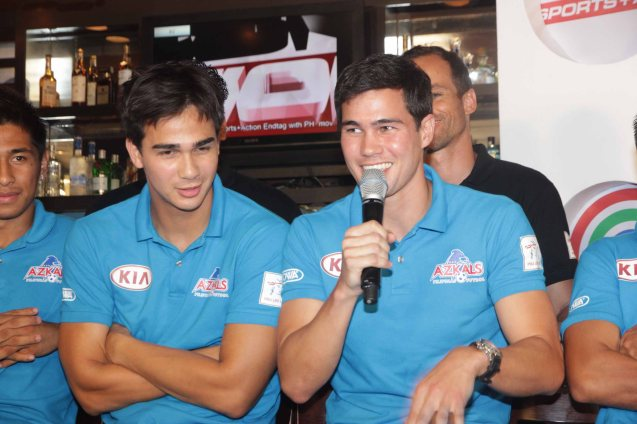 CLEAR endorsers from left: James and Phil Younghusband at OUTBACK Steakhouse last June 4, 2014. Photo by Jude Bautista