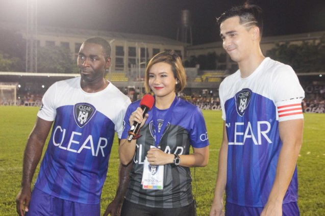 from left: Andy Cole, TV5 reporter Joan Ignacio and James Younghusband. THE CLEAR DREAM MATCH was held at the sold out University of Makati Stadium last June 7, 2014. Photo by Jude Bautista