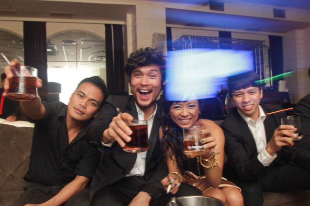 from left: Bong Cabrera, Jay Gonzaga, Martha Comia and Aaron Ching toast w Hennessy at the ILO ILO SLUMBER PARTY in OPUS last December 2, 2013. Photo by Jude Bautista