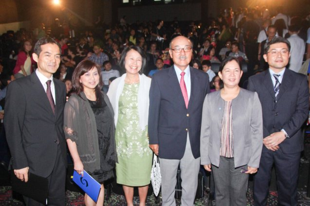 3rd from right: Japan Amb H.E. Toshinao Urabe from left: Japan Foundation Managing Dir Shuji Takatori, Shang Rila Plaza Mktg. Div. Head Marline Dualan, Etsuko Urabe, FDCP Head of Cinema Evaluation & Coordination Wilma Isleta and JICA Sr. Representative Kunihiro Nakasone. The Eiga Sai Japanese Film Festival will screen films for free run from July 4 to 13, 2014 at the Shang Cineplex, Shang Rila Plaza Mall. Photo by Jude Bautista