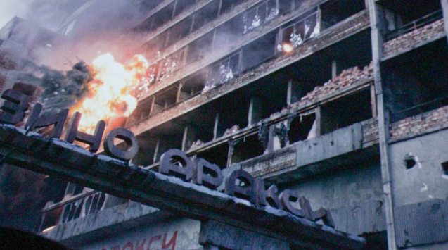 tanks blow up building to flush EXPENDABLES out. Catch EXPENDABLES3 in Resort's World Manila, Eastwood Mall and Lucky Chinatown Mall.