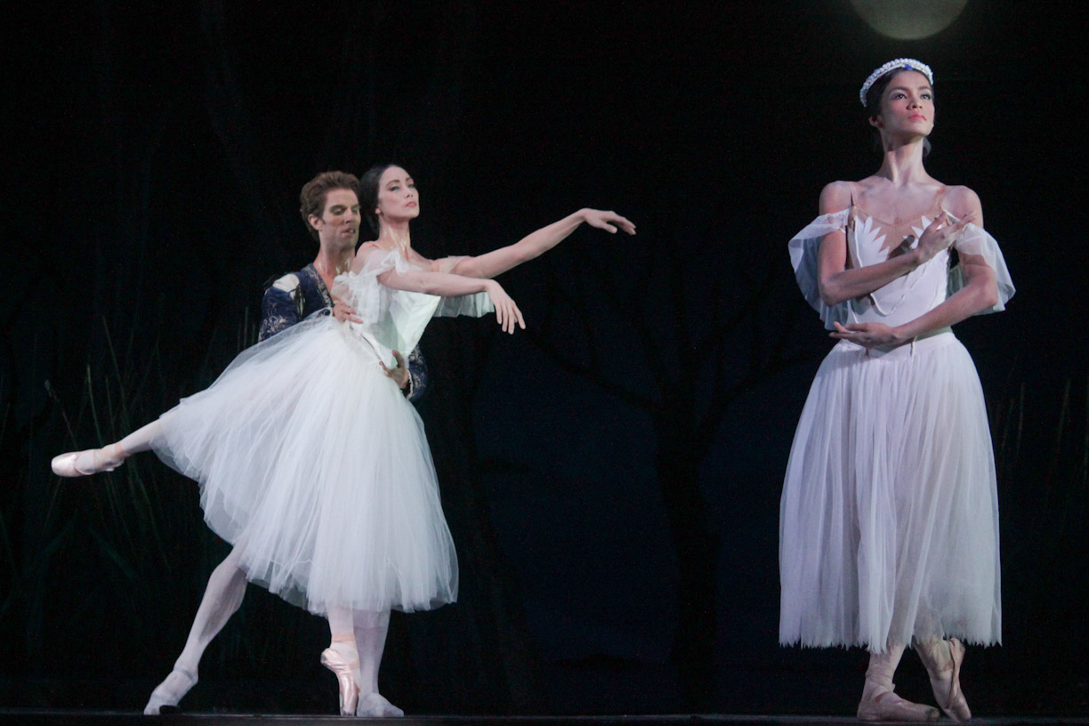 ballet and giselle Pacific northwest ballet's 2011 world premiere staging of peter boal's giselle was made possible by patty edwards and an anonymous donor in westphalia, the former saxony, all is not dead which lies buried.