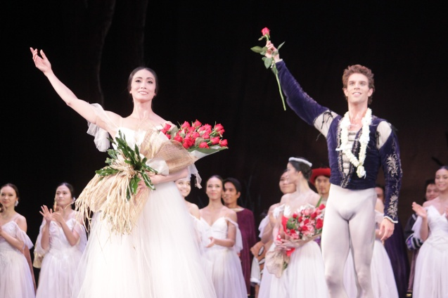 Stella Abrera (Giselle) & James Whiteside (Albrecht) with the whole BP company receive a raucous standing ovation. Ballet Philippines' 45th year was celebrated with a special staging of GISELLE from September 19, 20 & 21, 2014 at the CCP Tanghalang Nicanor Abelardo. Photo by Jude Bautista