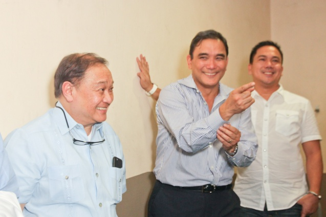 from left: PLDT Chairman and SBP Pres. Manny V Pangilinan and MPTC Pres. & CEO Ramoncito Fernandez. Catch PBA games live in SMART ARANETA Coliseum. If not you can watch the PBA's 40th season live airing on TV5 five times a week on TUES, WED and FRI, with the first game at 4:15 p.m. and the second game at 7 p.m.; on SAT at 5 p.m.; and SUN at 3 p.m. and 5 p.m. Photo by Jude Bautista
