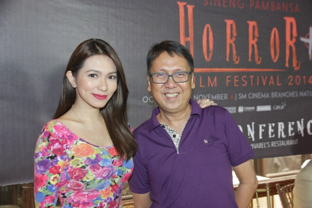 Regine Angeles (SIGAW SA HATINGGABI) and Interaksyon sub editor Edwin Sallan. Catch the HORROR PLUS Film Fest from October 29-Nov.4, 2014 at SM Cinemas. Photo by Jude Bautista