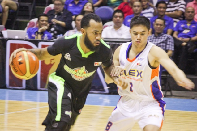 Batang Pier Stanley Pringle explodes against John Raymundo. Catch PBA games live in SMART ARANETA Coliseum. If not you can watch the PBA's 40th season live airing on TV5 five times a week on TUES, WED and FRI, with the first game at 4:15 p.m. and the second game at 7 p.m.; on SAT at 5 p.m.; and SUN at 3 p.m. and 5 p.m. Photo by Jude Bautista