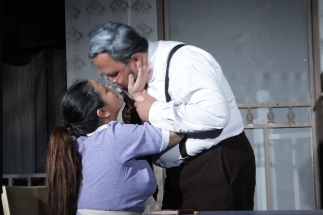 Racquel Pareño (Linda) is a loving wife to Jonathan Tadioan (Willy). PAHIMAKAS SA ISANG AHENTE (DEATH OF A SALESMAN) of Tanghalang Pilipino runs from September 26 to October 19, 2014 at the Tanghalang Huseng Batute Theater, CCP. Photo by Jude Bautista