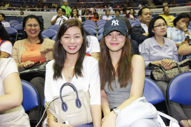 right (in Yankees cap) Maja Salvador loves the PBA. Catch PBA games live in SMART ARANETA Coliseum. If not you can watch the PBA's 40th season live airing on TV5 five times a week on TUES, WED and FRI, with the first game at 4:15 p.m. and the second game at 7 p.m.; on SAT at 5 p.m.; and SUN at 3 p.m. and 5 p.m. Photo by Jude Bautista