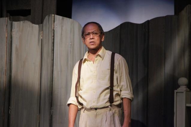 Nanding Josef (Willy). PAHIMAKAS SA ISANG AHENTE (DEATH OF A SALESMAN) of Tanghalang Pilipino runs from September 26 to October 19, 2014 at the Tanghalang Huseng Batute Theater, CCP. Photo by Jude Bautista