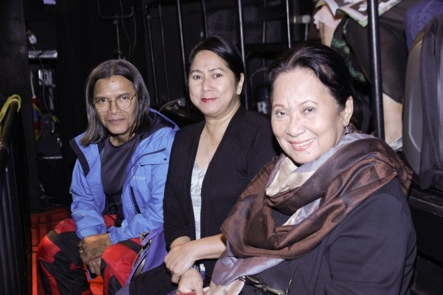 from right: Queen of Visayan Movies Gloria Sevilla, Actress/Producer Suzette Ranillo and Lighting Designer Katsch Katoy. PAHIMAKAS SA ISANG AHENTE (DEATH OF A SALESMAN) of Tanghalang Pilipino runs from September 26 to October 19, 2014 at the Tanghalang Huseng Batute Theater, CCP. Photo by Jude Bautista
