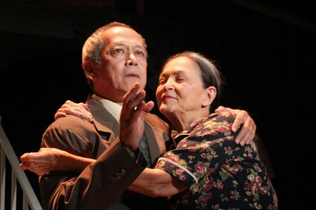 Nanding Josef (Willy) and Gina Pareño (Linda). PAHIMAKAS SA ISANG AHENTE (DEATH OF A SALESMAN) of Tanghalang Pilipino runs from September 26 to October 19, 2014 at the Tanghalang Huseng Batute Theater, CCP. Photo by Jude Bautista