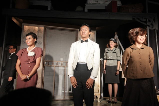 foreground from left: Lhorvie Nuevo (Letta), Dan De Guzman (Stanley) and Antonette Go (Jenny). PAHIMAKAS SA ISANG AHENTE (DEATH OF A SALESMAN) of Tanghalang Pilipino runs from September 26 to October 19, 2014 at the Tanghalang Huseng Batute Theater, CCP. Photo by Jude Bautista