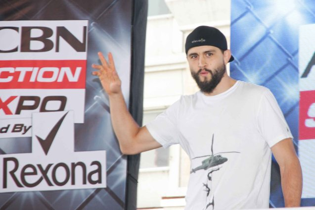 Carlos Condit former UFC Interim Welterweight champion and WEC Welterweight Champion Carlos Condit had a meet and greet session with fans in Eastwood Mall. The first ever ABS CBN Sports & Action- Rexona Fight Expo was held last November 8, 2014 at the Eastwood City Open Area. Photo by Jude Bautista