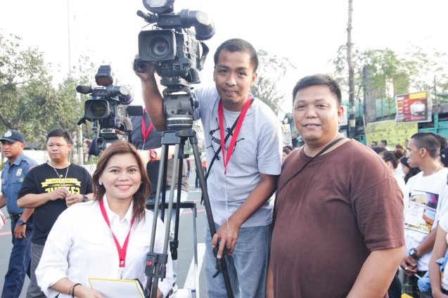 GMA Network Reporter Sherrie Ann Torres w TV crew were there at the crack of dawn on Quirino Ave, Paco Manila last January 16, 2015. Photo by Jude Bautista